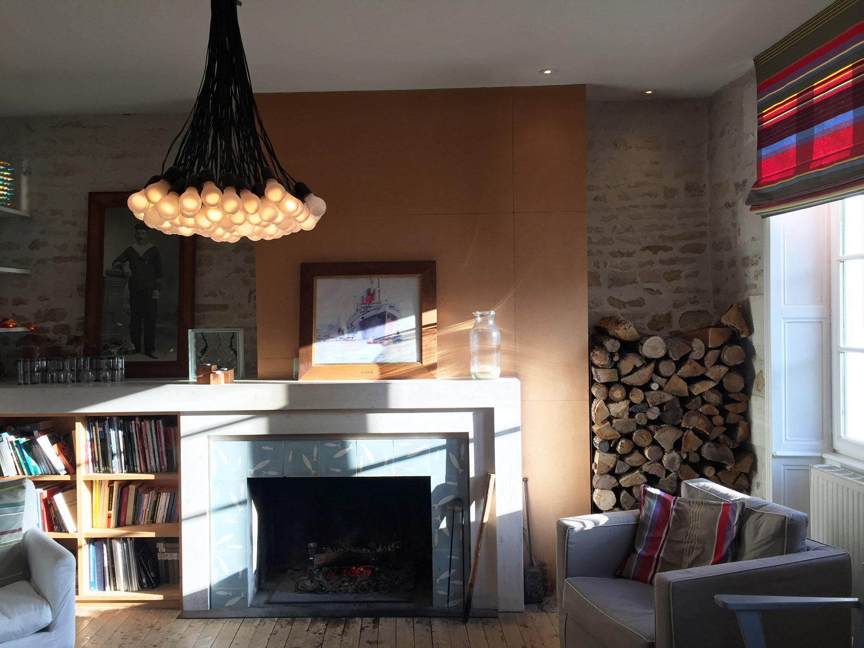 Room with fireplace - Hotel Le Senechal (17)