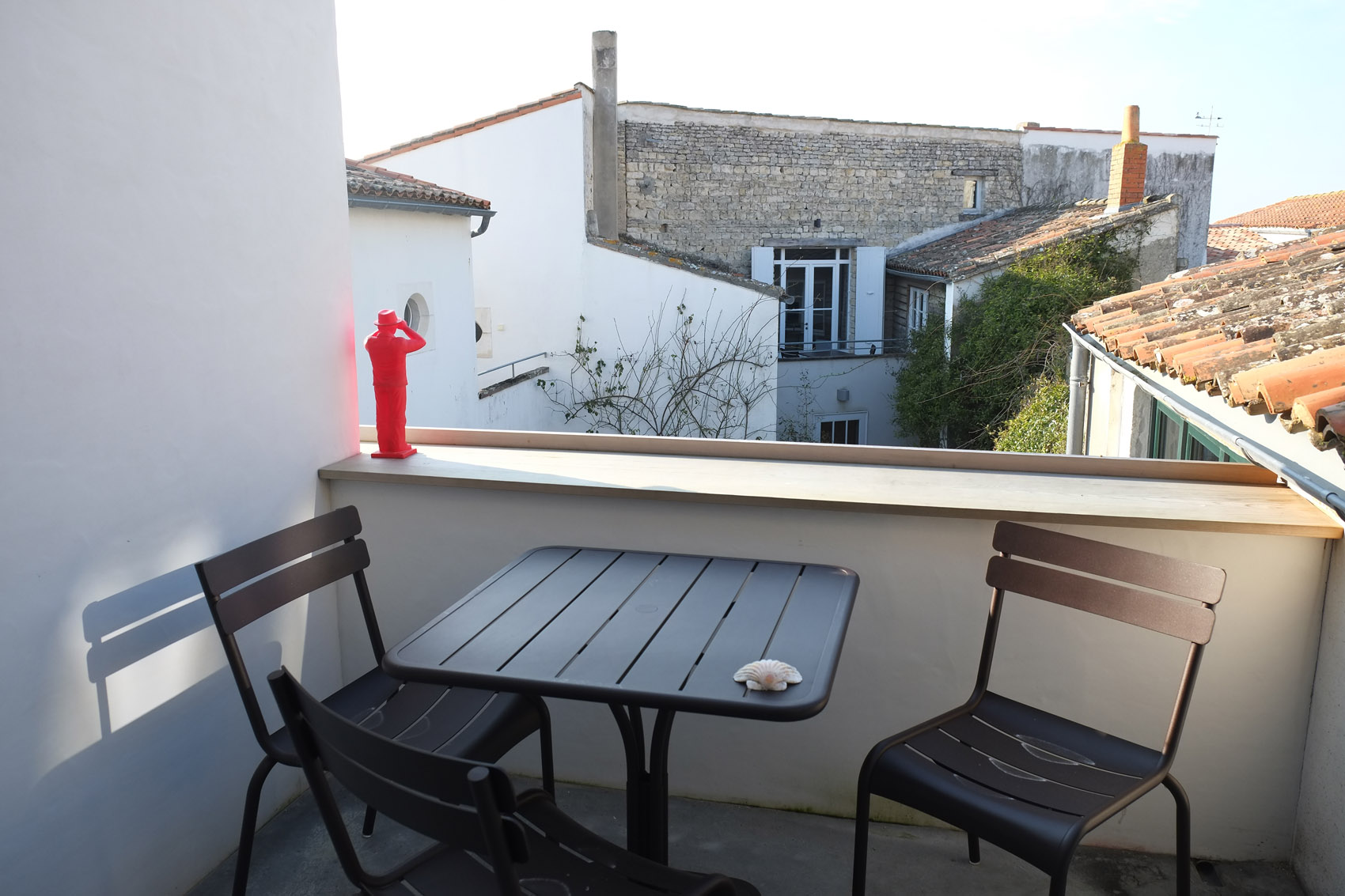 Balcony with view of Ars en Ré - Hotel Le Senechal